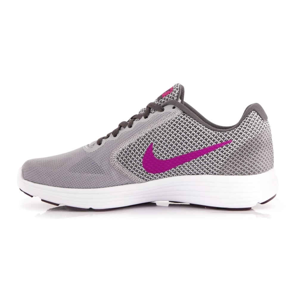 episodio desvanecerse Audaz  Nike Women's Revolution 3 Running Shoes